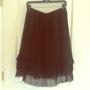 DKNY black layered, lined skirt. Size 4.